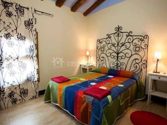 Casa rural gigantes de navarra en bu uel navarra - Ropa de cama matrimonio ...