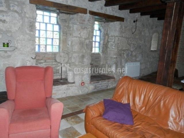 Casa rural campajares en bugedo burgos for Sofas baratos en burgos