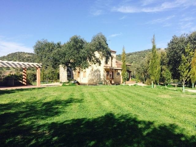 Casa rural alcornocalejo en calera de leon badajoz for Casa rural jardin del desierto