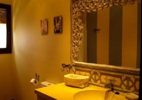 Baño Jaguarzo lavabo con espejo