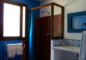 Baño Cantueso con plato de ducha