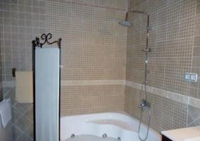 Detalle de la bañera hidromasaje