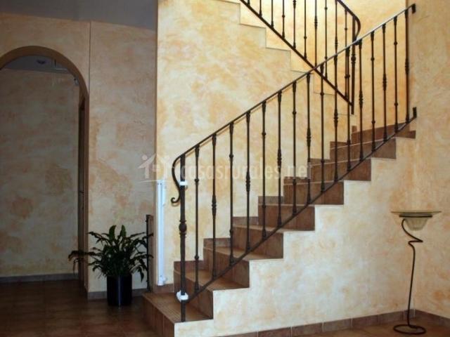 Entrada y escaleras