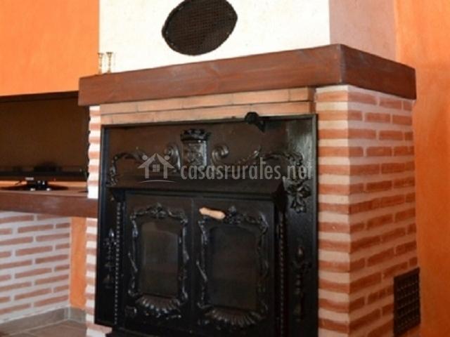 Casa rural el trejo en fuentesauco zamora for Chimeneas de forja