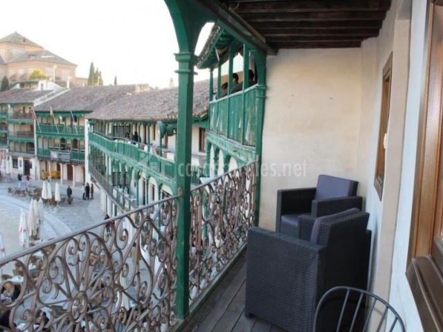 Vistas de la terraza hacia la plaza