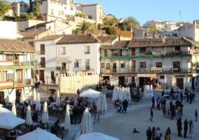 Zona centro con la plaza y sus terrazas
