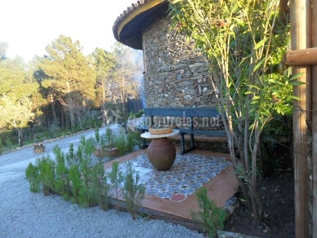 Alto ventoso en garciaz c ceres for Tinajas de barro para jardin
