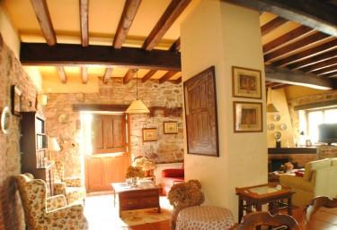 Casas rurales con chimenea en villaviciosa for Casa rural con chimenea asturias