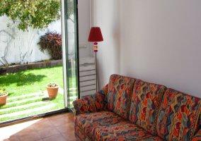 Sala de estar con salida al exterior