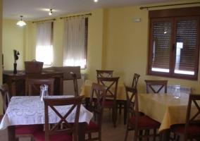 Sala de estar principal con sillones