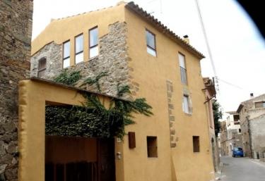 Can Mató - Ultramort, Girona