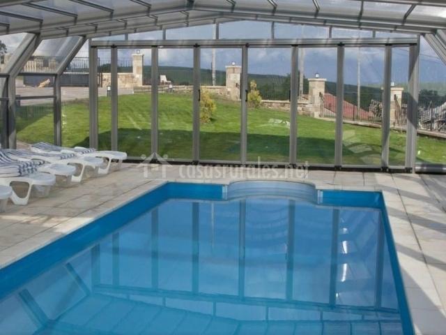 El palacio del campo en servillas cantabria for Casa rural con piscina climatizada cantabria