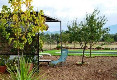 Casas rurales con piscina en fuente el fresno for Piscina huerta de lara