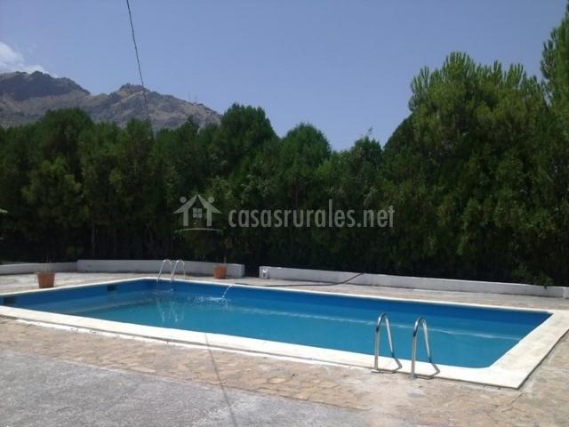 Rural el llano en quesada ja n for Bordillo piscina