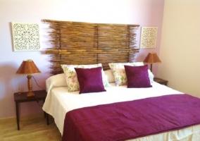 Dormitorio doble morado