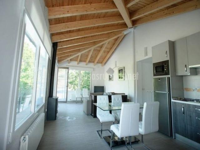 Cortijo blancares en ribera baja ja n for Salon comedor cocina mismo espacio