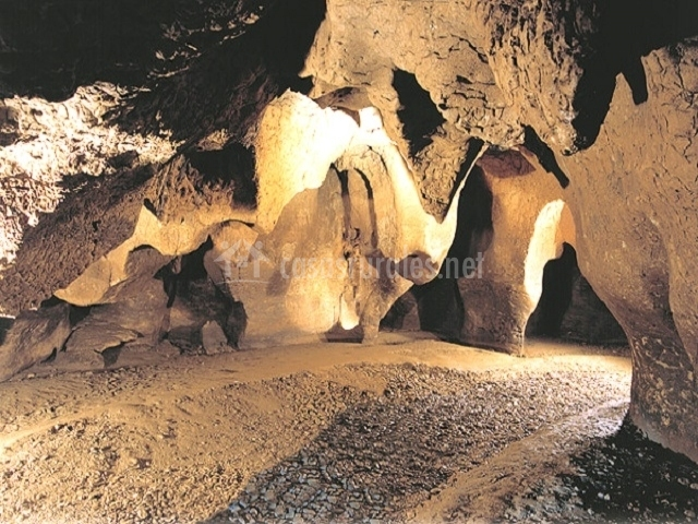 Cuevas del Toll
