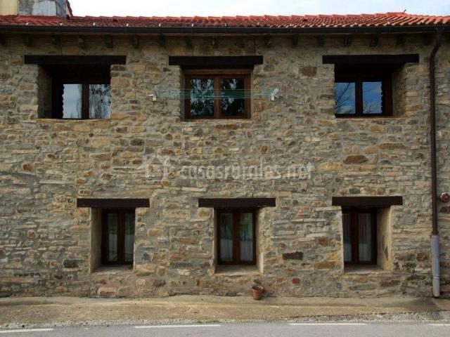 Casa rural la pinilla en villar del rio soria - Casa de piedra porcuna ...