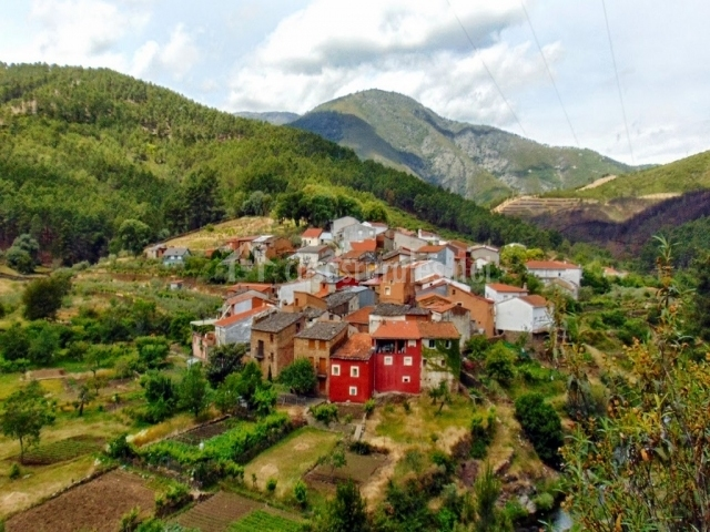 Vista del pueblo de Castillo en Pinofranqueado