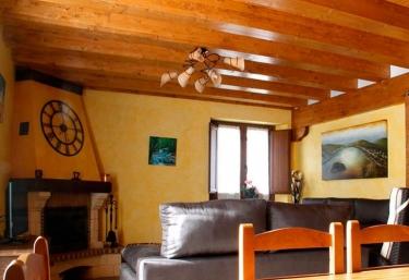 Casa rural Gure Txokoa - Ollo, Navarra