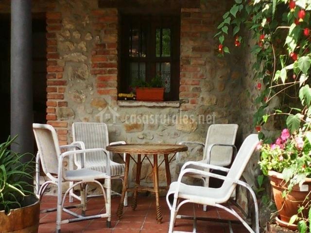 At casa de san andres en arriondas asturias - Muebles de porche ...
