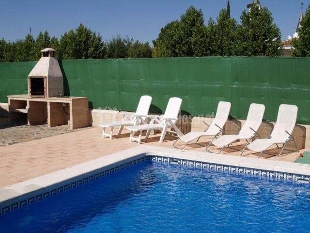 Horiagua iii en pueblo nuevo del bullaque ciudad real for Hamacas de piscina