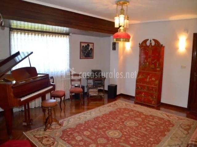 Sala con piano