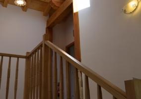 Fachada de la casa con balcón
