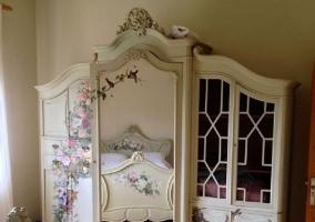 Dormitorio matrimonio con aires románticos