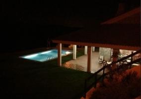 Amplias vistas de la piscina desde la parte superior