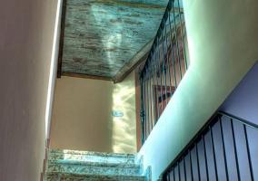 Escaleras de acceso a la vivienda