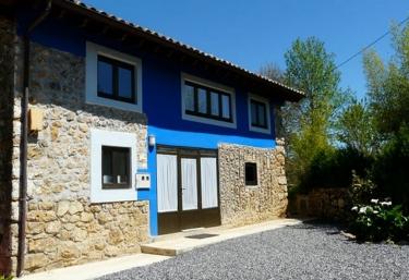 Faidiellu Casa Azul  - Infiesto, Asturias