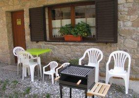 Barbacoa y muebles de jardín