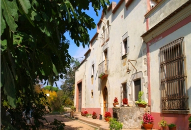 8 casas rurales en vilobi d 39 onyar - Casa rural can salva ...